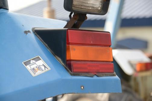 フォード6640SLEです。tractordata.comによれば英国製で1991年〜1995年のPowerStar 40シリーズ。フォード4気筒5Lディーゼルで84馬力2200rpmとなっています。