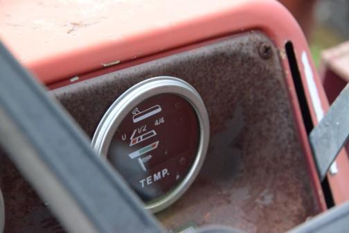 燃料計と温度計はJAEGER製