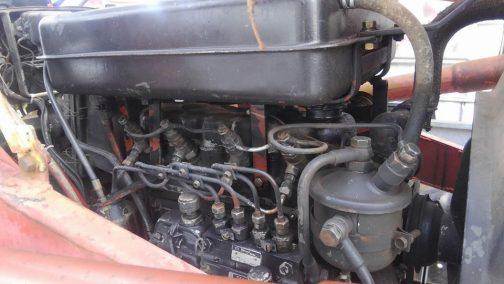 S-30A後期型のいすゞC201エンジン。4気筒ですね!