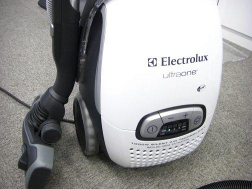 これはネットで探してきた写真。掃除機には「ゴミがいっぱいになりました」インジケーターが付いていますよね。 これはLED表示ですが・・・