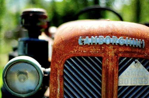 今から8年前、ネットで初めてランボルギーニトラクターの写真を見て、「一度は見てみたい」と、ずっと思っていたのです。