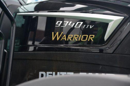 黒いボディに金文字で WARRIOR 9340TTV