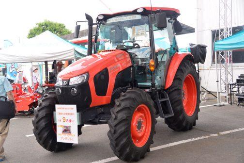 クボタWORLDスペシャルエディション M1010W-SEDTQDSK-JP 価格 ¥8,856,000 エンジン馬力 101.0PS 総排気量 3769cc 尿素SCR 倍速・モンロー標準装備