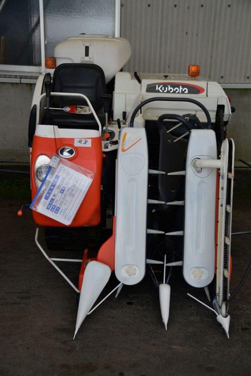 クボタ コンバイン ARN216LW2-S50 中古価格¥760,000 製造年 H22年 使用時間 234時間
