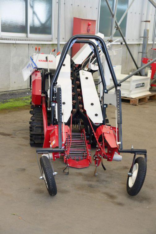 上の写真も含めて・・・ ヤンマー ネギ収穫機 HL-1 中古価格¥1,380,000 製造年 H27年