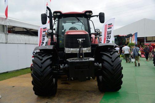 農研機構の登録では 年度 2013 安全鑑定番号 38068 型式名 CASE IH PUMA 200 販売名 依頼者 インタートラクターサービス株式会社 主な仕様 4輪駆動 機関147kW{200PS}/2200rpm 6.728L 希望小売価格 21000 (千円) 鑑定の対象に含めたアタッチメント等 装着キャブ・フレーム (合格番号) SLTV18(213022) となっています。
