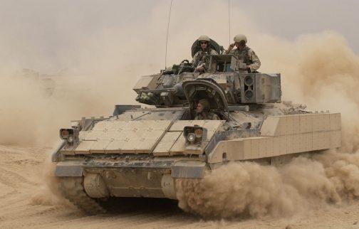 こちらはブラッドレー歩兵戦闘車。