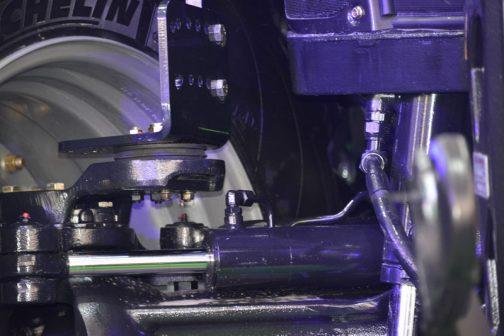 T8.435のピボットフェンダーに戻ります。形は悪けど、すごくシンプルです。