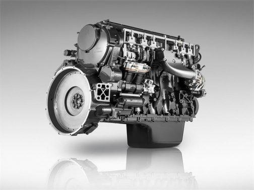 話がそれてしまいました。T8.435のエンジンは、そのFPTのCursor 9という、9L(正確には8700cc)の6気筒24バルブコモンレールターボディーゼルで、最大435馬力、定格380馬力だそうです。