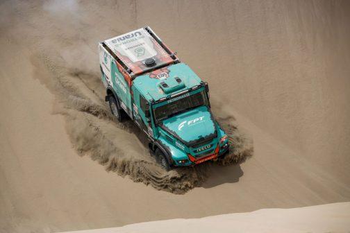 レーシングトラックの結果からいうと、ペトロナス・チーム・デ-ルーイ・IVECOはトップから1時間30分遅れの3位でした。