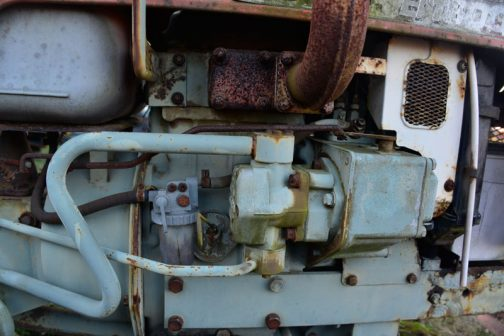エンジンは2TR13、2気筒662ccディーゼル13馬力となっています。