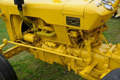 コマツWD30 色がキレイなので見分けはつきますね!WD50は50馬力のトラクターでしたが、このWD30は型式からもわかるように30馬力のようです。