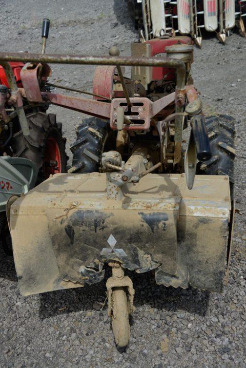 三菱耕耘機CT83 古い機械はトラクターも耕耘機も鉄板厚そうでいいですよね!今日はここまでです。また明日!