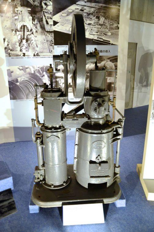 こちらはスターリングエンジン。どちらかといえば内燃機関はわかりやすいけれど、こっちはなんとなく苦手です。