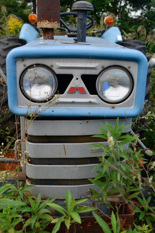 三菱R3500Gです。見慣れた赤と違い、これは青。「おおっ!」と思いました。