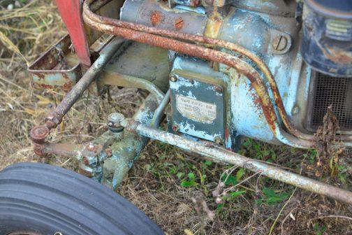 エンジン部分にも銘板が付いています。それにしてもどの銘板もデカいですねぇ・・・