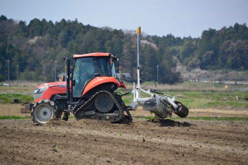初めは「こんなに土を集めちゃって納まるのだろうか」と思っていましたが・・・