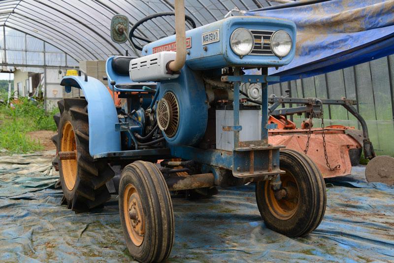 以前見た東洋社の日の本MB1500です。ハイオクタン灯油エンジン、日の本TE150は単気筒630ccで15馬力を発生させます。