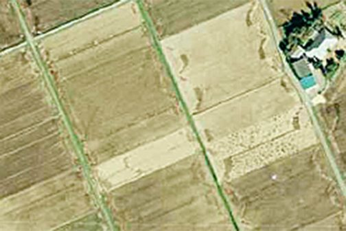 1986(昭和61)年の写真です。変形四角の畑はなくなってしまいました。畑は田んぼになってしまいました。