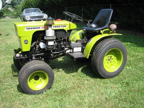 YM135です。tractordata.comによれば1976年に発売されたことになっています。