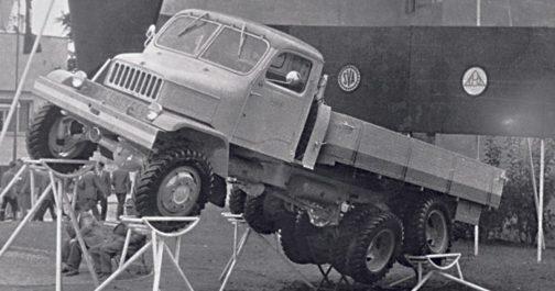 オフロード性能も軍用に使われていただけあって高そうです。